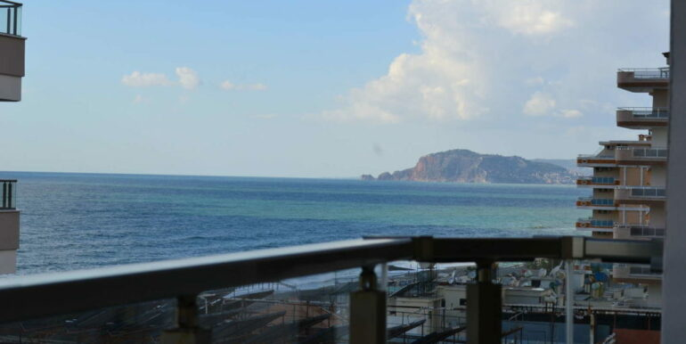 99000 Euro Sea View Apartment For Sale in Alanya Beachfront 1