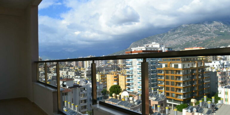 99000 Euro Sea View Apartment For Sale in Alanya Beachfront 16