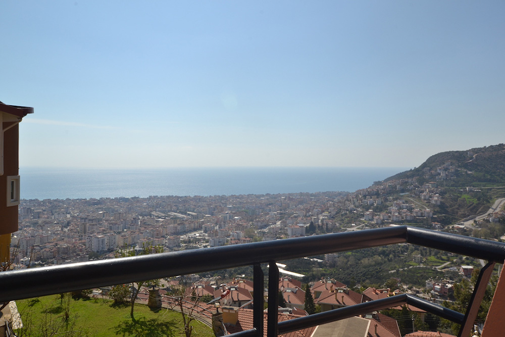 99000 Euro Sea View Penthouse For Sale in Alanya