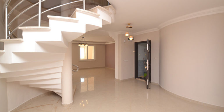 99000 Euro Sea View Penthouse For Sale in Alanya 35
