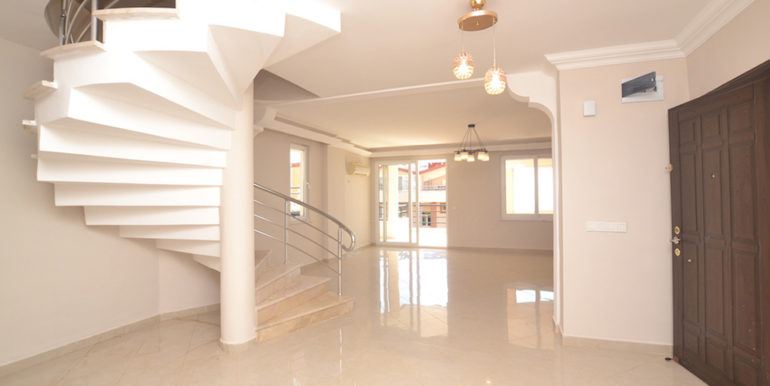 99000 Euro Sea View Penthouse For Sale in Alanya 36