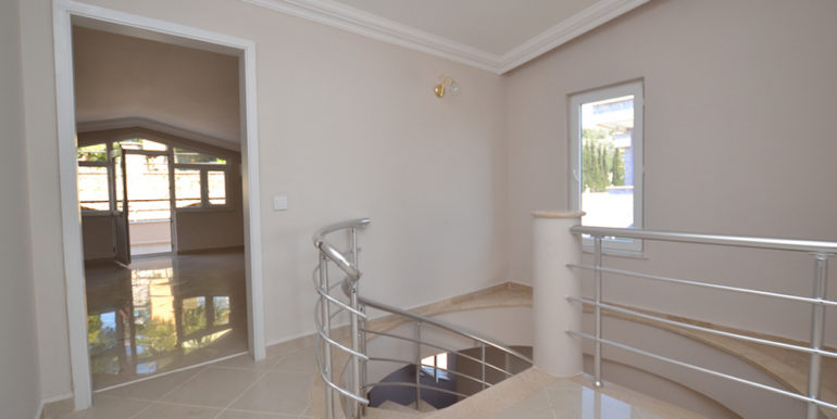 99000 Euro Sea View Penthouse For Sale in Alanya 38