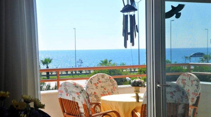 Beachfront apartment property for sale in Alanya Turkey 2