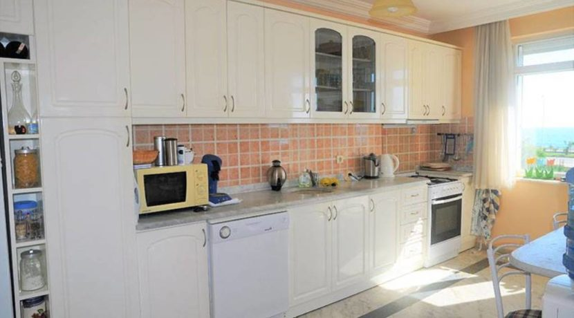 Beachfront apartment property for sale in Alanya Turkey 9