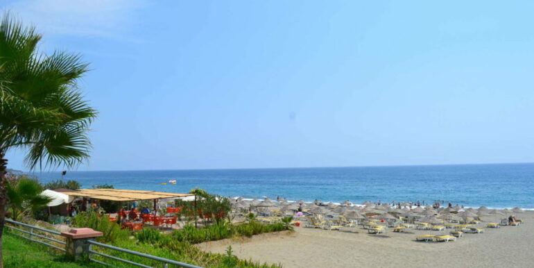 50000 EUR Beach Apartment For Sale in Alanya Mahmutlar 2