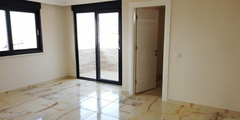 70000 EUR New Penthouse For Sale In Alanya Kestel 9