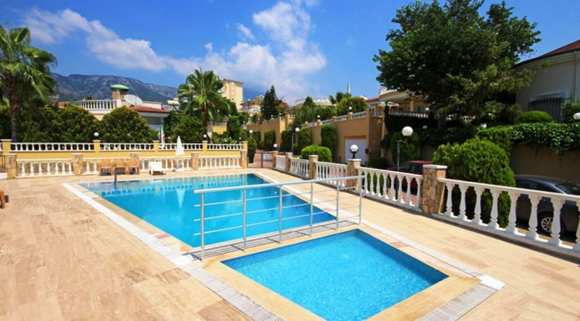 Villa For Sale in Alanya Mahmutlar 149000 Euro