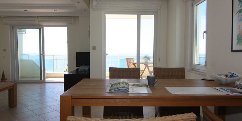 98000 Euro Apartment For Sale in Alanya Mahmutlar