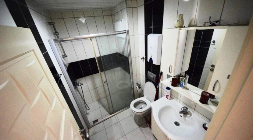 2 Bedroom Flat Property for sale in Mahmutlar Alanya 1