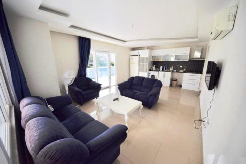 2 Bedroom Flat Property for sale in Mahmutlar Alanya 15
