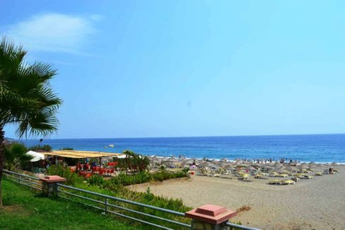 Beachfront apartment for sale alanya mahmutlar 48500 €