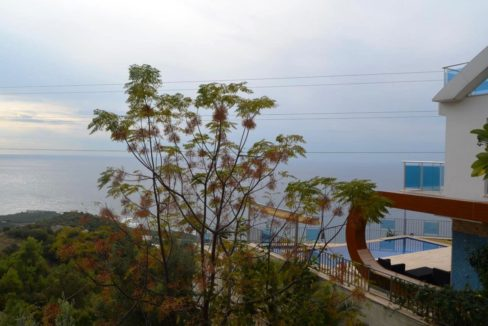 10 Rooms private home for sale alanya turkey 190.000 Euro