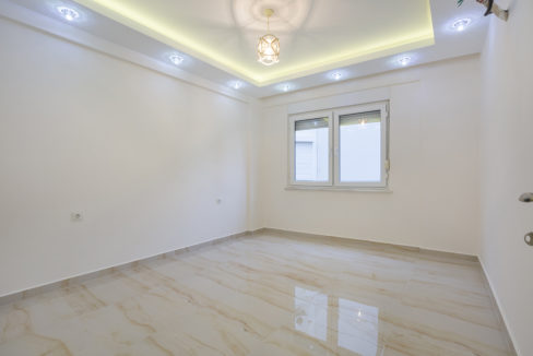 Beachfront apartment for sale Alanya Turkey 53.000 Euro