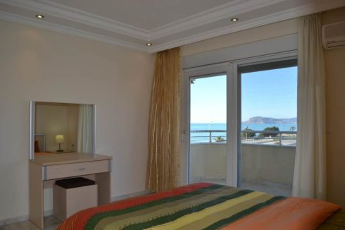 Beachfront apartment for sale Alanya Turkey 120.000 Euro
