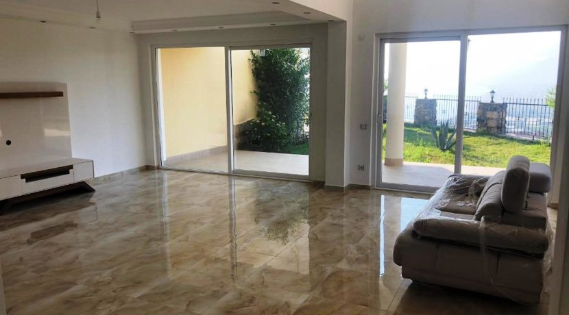 Home Villa for sale in Kargicak Alanya Turkey 150000 Euro