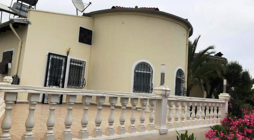 Alanya Beachclose villa with detached flat for sale 79000 euro