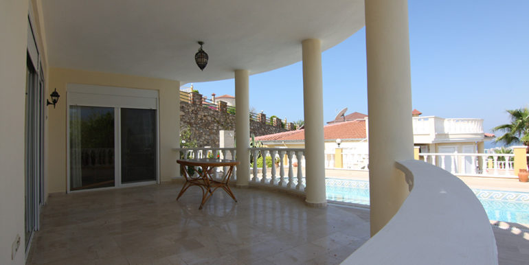 Alanya Private Seaview Villa With 700 M2 Plot For Sale