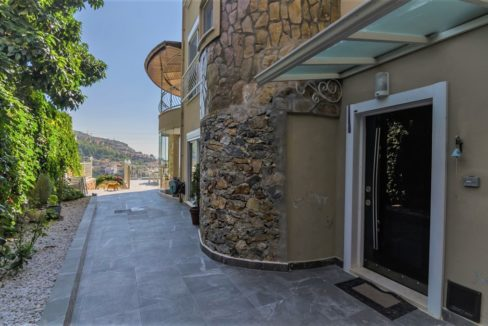Alanya Private Villa in Tepe For Sale 275000 Euro
