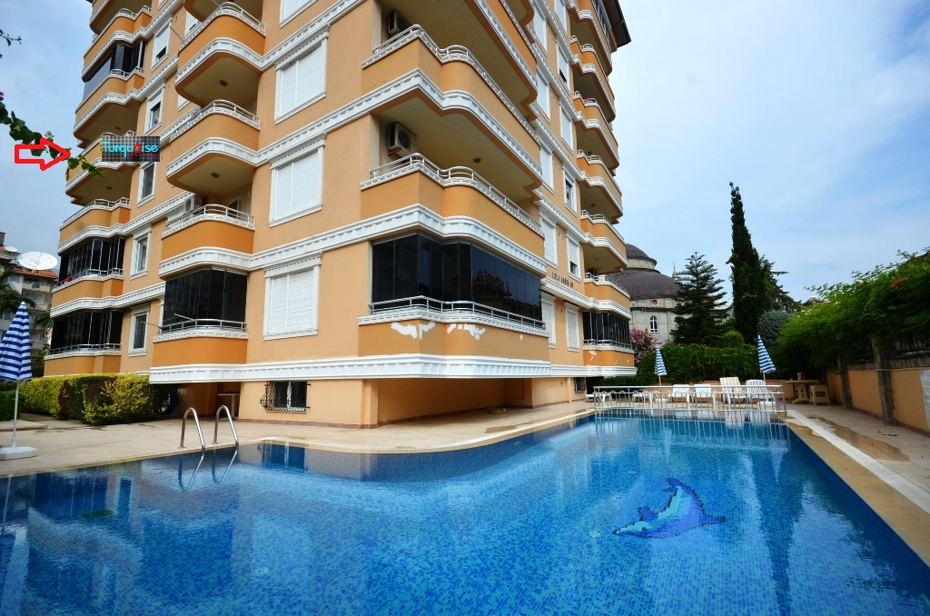kleopatra beach apartment in centrum alanya for sale