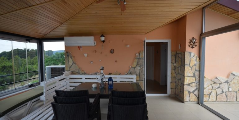 privat villa avsallar with privat pool and glassed roofterrace