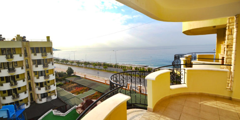 Alanya Beach Apartment with sea view for sale 69000 Euro
