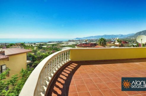 Sea View Villa Hus Alanya med basseng for salg 100 000 Euro
