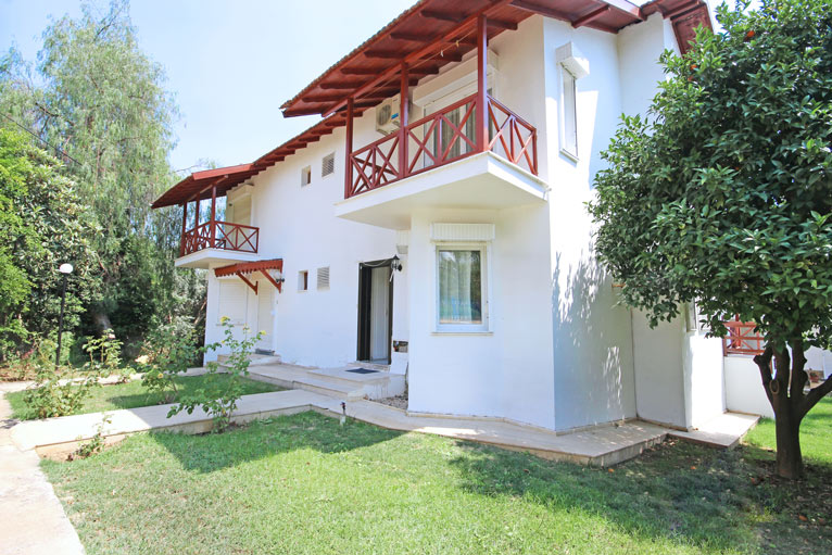 Beachfront holiday house in alanya demirtas for sale 77000 euro