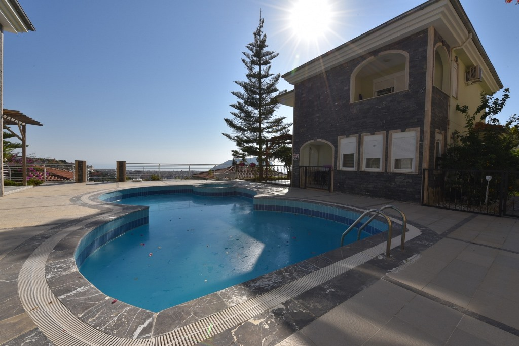 4+1 Alanya Seaview Villa For Sale 129500 Euro