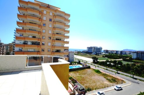 zeezicht penthouse in alanya beachclose