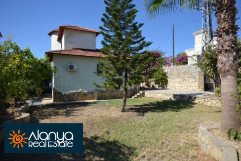 Private villa for sale in Alanya with private pool AR-MD29
