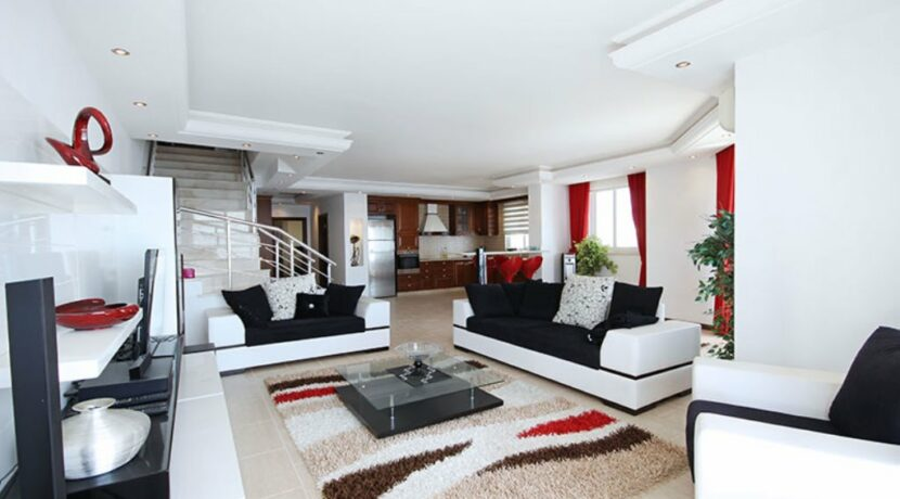 Coastal Penthouse For Sale From Owner In Alanya Mahmutlar