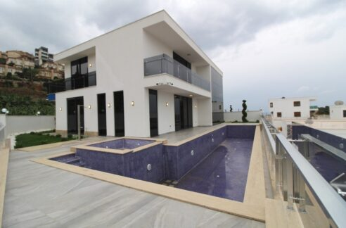 Private Villa For Sale In Alanya Kargicak