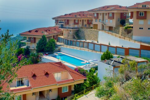 4 Rooms Empty Duplex Villa House With Common Swimming Pool