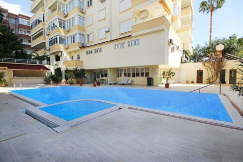 5 Room Furnished City Apartment With Pool And Seaview