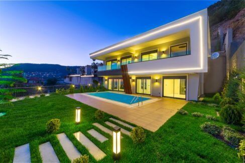 5 Rooms Brand New Villa With Sea And Castle View