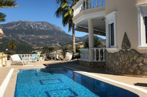 5 Rooms Villa In Kargıcak With Private Swimming Pool And Garage