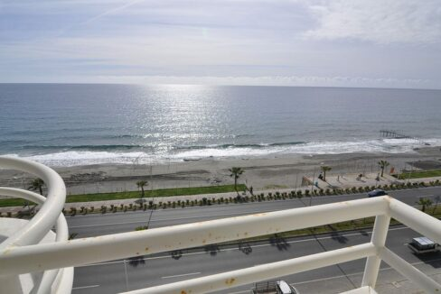 Beachfront 2 Bedroom Furnished Apartment In Alanya Mahmutlar