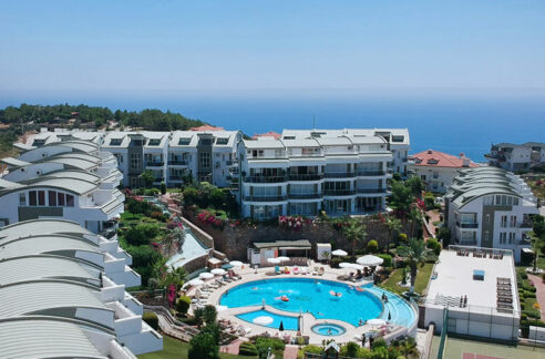 2 Bedroom Modern Furnished Apartment With Direct Seaview
