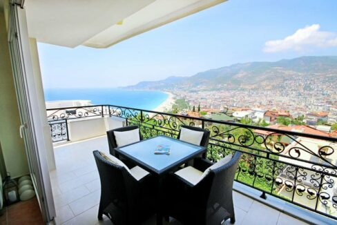 3 Bedroom Furnished Flat On The Castle Of Alanya With Cleopatra Beach View