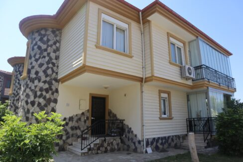 3 Bedroom Furnished Villa For Sale In Alanya Together With A Car