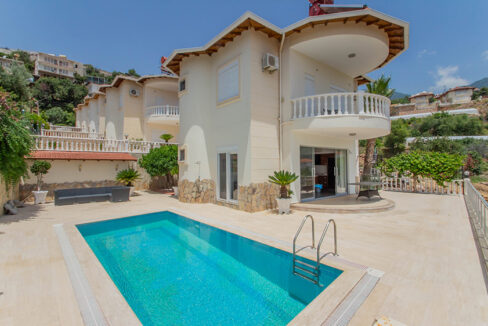 3 Bedroom Luxurious Villa For Sale In Alanya With Sea And Castle View