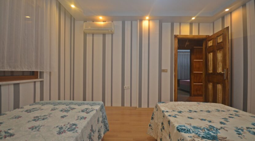 5 Bedroom Furnished Villa With Sea And Castle View