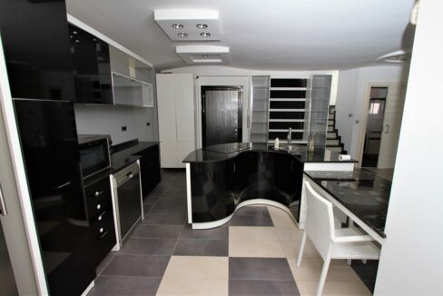 Penthouse For Sale Close To Kleopatra Beach Alanya